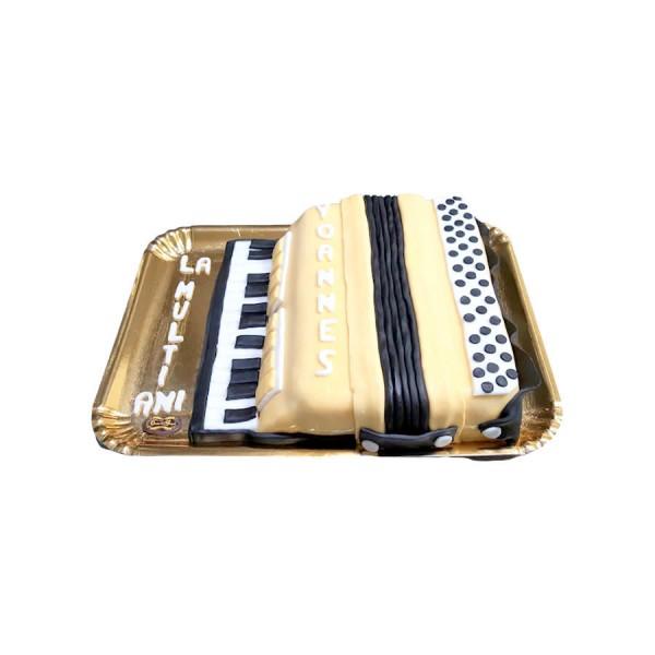 Tort personalizat acordeon
